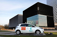 Nederland - Amsterdam - 2019. Science Park. Datacenter Equinix AM3 . Auto van Fetch car sharing.  Foto Berlinda van Dam / Hollandse Hoogte