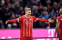 18.11.2017,  Football 1.Liga 2017/2018, 12. match day, FC Bayern Muenchen - FC Augsburg, in Allianz-Arena Muenchen.  Robert Lewandowski (FC Bayern Muenchen). *** Local Caption *** © pixathlon<br /> <br /> +++ NED + SUI out !!! +++<br /> Contact: +49-40-22 63 02 60 , info@pixathlon.de