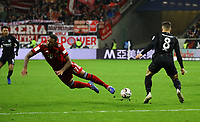 Jerome Boateng (FC Bayern Muenchen) gegen Luka Jovic (Eintracht Frankfurt) - 22.12.2018: Eintracht Frankfurt vs. FC Bayern München, Commerzbank Arena, DISCLAIMER: DFL regulations prohibit any use of photographs as image sequences and/or quasi-video.