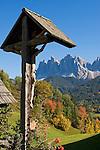 Italy, South Tyrol, Alto Adige, Dolomites, Val di Funes: shrine, autumn colours, Le Odle mountains at natural park Puez-Odle