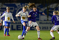 20180126 - OOSTAKKER , BELGIUM : Anderlecht's Tine De Caigny (r) pictured in a duel with Gent's Elena Dhont (left) during the quarter final of Belgian cup 2018 , a womensoccer game between KAA Gent Ladies and RSC Anderlecht , at the PGB stadion in Oostakker , friday 27 th January 2018 . PHOTO SPORTPIX.BE   DAVID CATRY