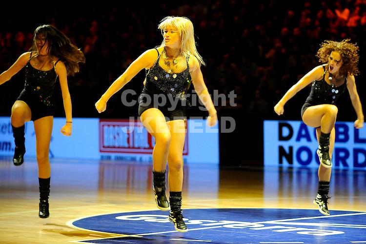 basketbal gasterra flames - zwolle seizoen 2010-2011 26-10-2010 cheerleaders