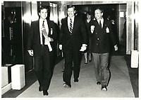 Le ministre des finances du canada Michael Wilson retourne a sa limousine apres son discours a la tribune du Cercle canadien de Montreal, le 5 juin 1985.<br /> <br /> PHOTO : Agence Quebec Presse