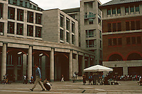 London:  Paternoster Square, looking NE.  Eric Perry's King Edward Court to left, St. Martin's Court, right.  Photo  '05.