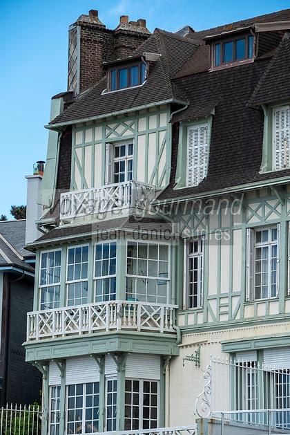 Europe/France/Haute-Normandie/76/ Le Havre : Facades des villas du Front de Mer // Europe / France / Upper - Normandy / 76 / Le Havre: Facades of the Front de Mer villas