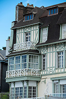 Europe/France/Haute-Normandie/76/ Le Havre : Facades des villas du Front de Mer // Europe / France / Upper - Normandy / 76 / Le Havre: Facades of the Front de Mer villas