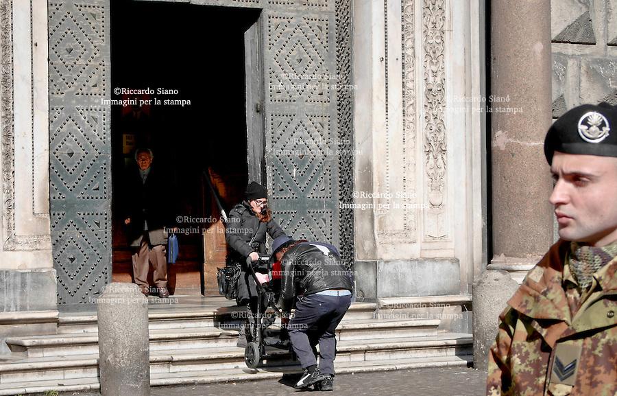 - NAPOLI  6 FEB 2014 - benjamin okonobe  l'immigrato  che ha sventato lo scippo nel centro storico