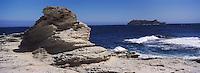 Europe/France/Corse/2B/Haute-Corse/Cap Corse/Barcaggio: La côte rocheuse et l'ile de la Giraglia