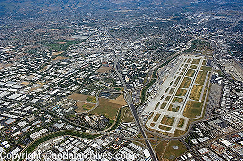 aerial photograph Minetta San Jose International airport, Santa Clara county, California