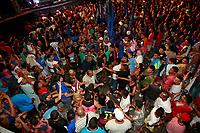 PA - POLITICA -LULA- ** ATENCAO, EDITOR: FOTO EMBARGADA PARA VEICULOS DO ESTADO DO PARA **  confusao no comicio  com presenca do ex-presidente Luiz Inacio Lula da Silva participa de comicio do candidato Helder Barbalho pelo PMDB com senador jader barbalho, com dirigentes, lideres, prefeitos e deputados estaduais e federais, promovido pelo PT e PMDB-pa,  arterial 18, ananindeua-para, nesta quarta- feira(15).<br />  <br /> Foto: TARSO SARRAF
