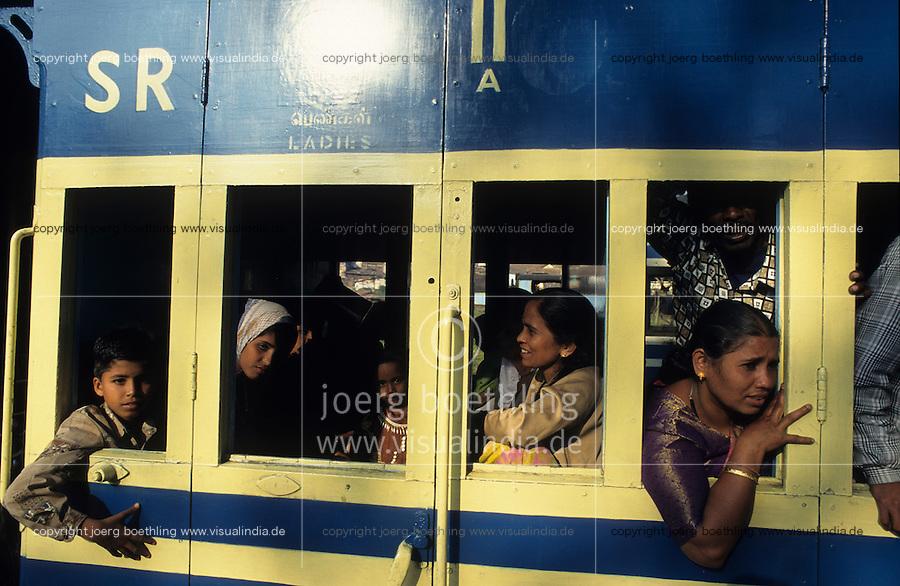 INDIA Nilgiri, NMR Nilgiri mountain railway, an old passenger rack steam train, travelling to hill station Udhagamandalam or Ooty in Nigiris Mountains, the train is an UNESCO world heritage / INDIEN Nilgiris, alte Zahnrad-Dampfbahn, die historische Bahn zaehlt zum Welterbe der UNESCO