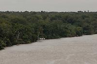 Rio Mojú visto da alça viária.<br /> Mojú, Pará, Brasil.<br /> Foto Paulo Santos<br /> 02/2008