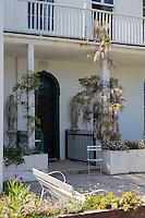 Royaume-Uni, îles Anglo-Normandes, île de Guernesey, Saint Peter Port: Hauteville House, Maison de Victor Hugo, le jardin // United Kingdom, Channel Islands, Guernsey island, Saint Peter Port: Hauteville House, Victor Hugo's home, the garden