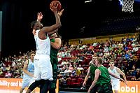 GRONINGEN - Basketbal, Donar - Groen Uilen, voorbereiding seizoen 2021-2022, 21-08-2021,  Donar speler Amanze Egekeze op weg naar score