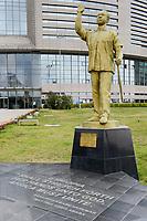 ETHIOPIA Addis Ababa, AU African Union new building, constructed and gifted by China, statue of former ghanian president Osagyefo Kwame Nkrumah / AETHIOPIEN, Addis Abeba, neues Gebaeude der AU Afrikanischen Union, gebaut und geschenkt von China