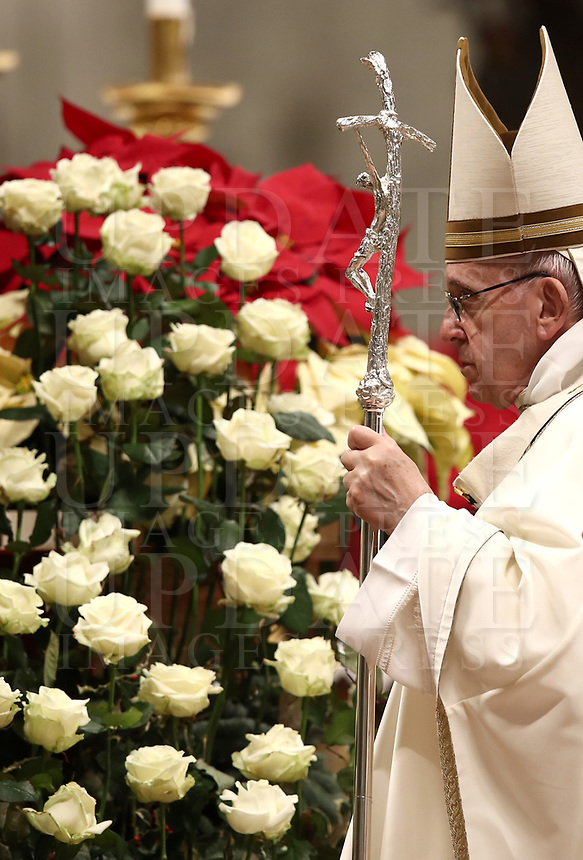 Pope Francis celebrates the Christmas Eve Mass in St. Peter's Basilica at the Vatican, on December 24, 2018.<br /> UPDATE IMAGES PRESS/Isabella Bonotto<br /> <br /> STRICTLY ONLY FOR EDITORIAL USE