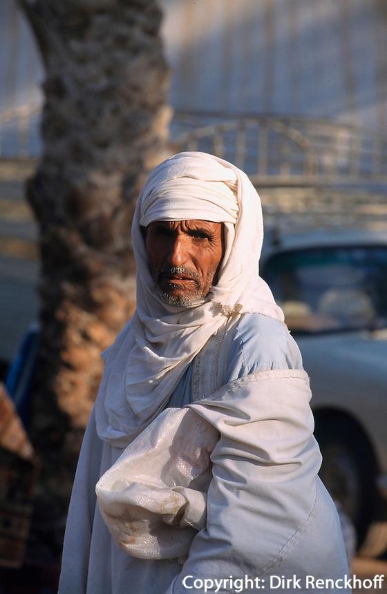 Tunesien, bei Douz, auf dem Viehmarkt