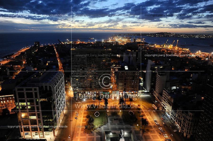 URUGUAY Montevideo view from Palacio Salvo at Plaza de Independencia to the harbour at Rio del la Plata / URUGUAY Montevideo Blick vom Hochhaus Palacio Salvo am Plaza de Independencia auf Hafen am Rio del la Plata
