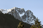 Germany, Bavaria, Upper Bavaria, Werdenfelser Land, Grainau:   Wetterstein mountains with Germany's highes mountain, the Zugspitze summit (2.962 m) | Deutschland, Bayern, Oberbayern, Werdenfelser Land, Grainau: das Zugspitzmassiv mit Deutschlands hoechstem Berg der Zugspitze (2.962 m)