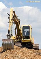 0713-1107  Backhoe (back actor, rear actor), Excavating Equipment  © David Kuhn/Dwight Kuhn Photography