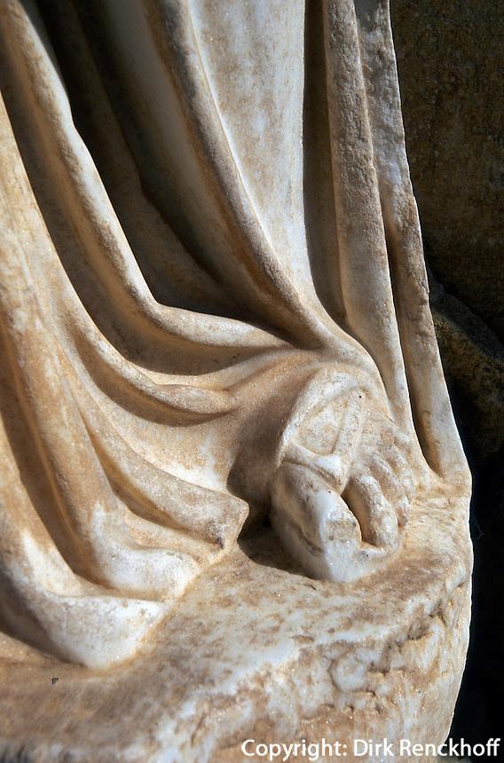 Zypern (Nord), Salamis, kopflose Statuen im römischen Gymnasium