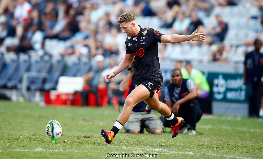 DURBAN, SOUTH AFRICA - APRIL 19: Robert du Preez of the Cell C Sharks during the Super Rugby match between Cell C Sharks and Reds at Jonsson Kings Park Stadium on April 19, 2019 in Durban, South Africa. Photo: Steve Haag / stevehaagsports.com