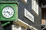 Germany, Thuringia, near Schmiedefeld am Rennsteig: station Rennsteig - station clock | Deutschland, Thueringen, bei Schmiedefeld am Rennsteig: Bahnhof Rennsteig der Rennsteigbahn - Bahnhofsuhr