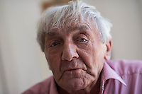 Erhard Stenzel, Wehrmachtsdeserteur und Kaempfer in der Franzoesischen Resistance im Zweiten Weltkrieg.<br /> Der 91jaehrige Erhard Stenzel ist der letzte noch lebende deutsche Resistance-Kaempfer. Er desertierte am 3. Januar 1943 im Alter von 19 Jahren  im Franzoesischen Rouen und trat der Resistance bei. Er wurde Zeuge des Massaker der SS in  der Stadt Oradour und beteiligte sich an der Jagd auf die SS-Einheiten, welche die Bevoelkerung der Kleinstadt massakriert haben. Im August 1944 war er an der Befreiung von Paris beteiligt.<br /> 7.6.2016, Falkensee<br /> Copyright: Christian-Ditsch.de<br /> [Inhaltsveraendernde Manipulation des Fotos nur nach ausdruecklicher Genehmigung des Fotografen. Vereinbarungen ueber Abtretung von Persoenlichkeitsrechten/Model Release der abgebildeten Person/Personen liegen nicht vor. NO MODEL RELEASE! Nur fuer Redaktionelle Zwecke. Don't publish without copyright Christian-Ditsch.de, Veroeffentlichung nur mit Fotografennennung, sowie gegen Honorar, MwSt. und Beleg. Konto: I N G - D i B a, IBAN DE58500105175400192269, BIC INGDDEFFXXX, Kontakt: post@christian-ditsch.de<br /> Bei der Bearbeitung der Dateiinformationen darf die Urheberkennzeichnung in den EXIF- und  IPTC-Daten nicht entfernt werden, diese sind in digitalen Medien nach §95c UrhG rechtlich geschuetzt. Der Urhebervermerk wird gemaess §13 UrhG verlangt.]