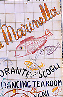 Europe/Italie/Côte Amalfitaine/Campagnie/Amalfi : Enseigne d'un restaurant de bord de mer