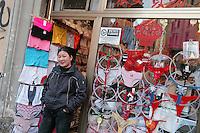 - chinese stores in Paolo Sarpi street area, the Milan Chinatown..- negozi cinesi nella zona di via Paolo Sarpi, la Chinatown milanese