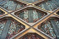 Schienkreuzung : EUROPA, DEUTSCHLAND, HAMBURG, (EUROPE, GERMANY), 20.12.2012: Eisenbahnschienen die sich Kreuzen in Hamburg