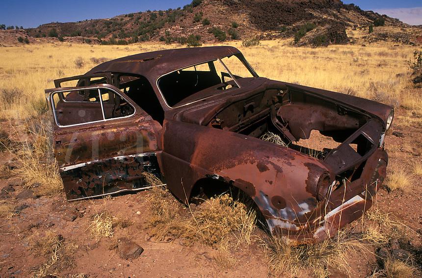 Abandoned car along highway 191, Arizona