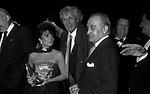 PATRIZIA REGGIANI GUCCI CON OTTAVIO MISSONI - PREMIO THE BEST  RAINBOW ROOM ROCKFELLER CENTER NEW YORK 1982