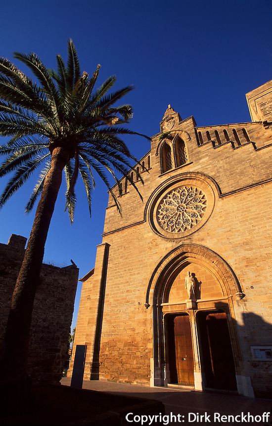 Spanien, Mallorca, gotische Pfarrkirche Sant Jaume in Alcudia