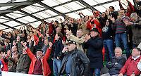 Izegem - FC Luik :....juichende fans van Izegem..foto VDB / BART VANDENBROUCKE