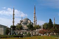 Sultanahmet Moschee in Istanbul = Sultanahmet Camii = Blaue Moschee, erbaut 1609-1615 von Mehmet Aga, ein Schüler von Sinan, Türkei , UNESCO-Weltkulturerbe