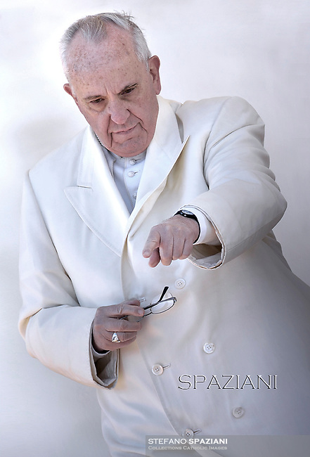 """Pope Francis   for the 60th anniversary of the """"Comunione e Liberazione"""" (Communion and Liberation) catholic mouvement in St Peter's square at the Vatican. on March 7, 2015"""