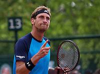 Paris, France, 24 June, 2016, Tennis, Roland Garros,  Thiemo de Bakker (NED) takes the third set<br /> Photo: Henk Koster/tennisimages.com