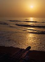 Sonnenaufgang am Meer  in Mahabalipuram, Tamil Nadu, Indien