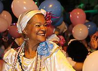 SAO PAULO, SP, 09 DE DEZEMBRO DE 2011, Integrante da Rosas de Ouro, no LANÇAMENTO DO CD DA LIGA DAS ESCOLAS DE SAMBA 2012 na quadra da Escola de Samba Rosas de Ouro, zona norte de SP.  (FOTO: MILENE CARDOSO / NEWS FREE)