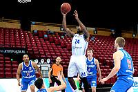 03-04-2021: Basketbal: Donar Groningen v Heroes Den Bosch: Groningen Donar speler Justin Watts op weg naar een score met rechts Den Bosch speler Dominic Gilbert