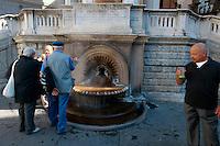 Italien, Piemont, Thermalquelle La Bollenta in Acqui Terme