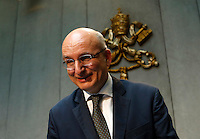 Il presidente uscente dello IOR (Istituto per le Opere di Religione) Ernst von Freyberg durante la conferenza stampa sul nuovo quadro economico della Santa Sede presso la Sala Stampa Vaticana, 9 luglio 2014.<br /> Institute for the Works of Religion (IOR) outgoing president Ernst von Freyberg attends a press conference at the Vatican press room, 9 July 2014.<br /> UPDATE IMAGES PRESS/Riccardo De Luca<br /> <br /> STRICTLY ONLY FOR EDITORIAL USE