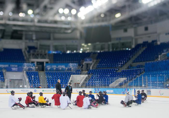 Sochi 2014 - Para Ice Hockey // Para-hockey sur glace.<br /> Canada's Para Ice Hockey team practices before the games begin // L'équipe canadienne de para hockey sur glace s'entraîne avant le début des matchs. 01/03/2014.