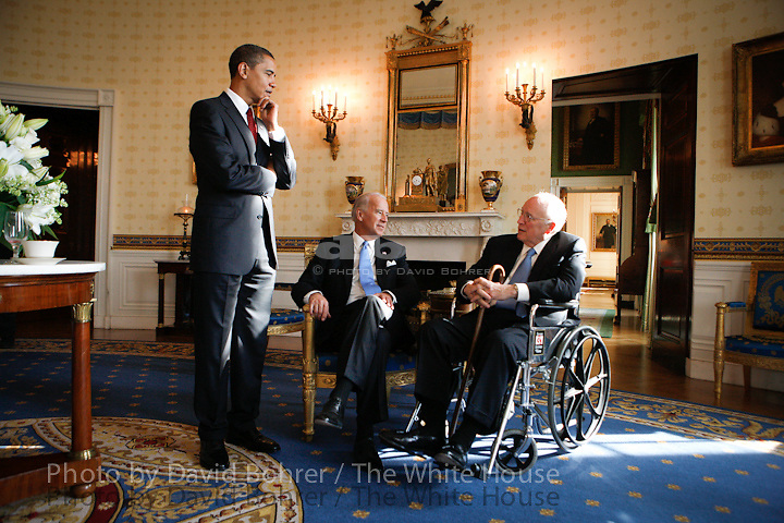 President Bush and VP Cheney: coffee with President-elect Barack Obama and Mrs. Michele Obama and VP-elect Joe Biden and Dr. Jill Biden.  State Floor.