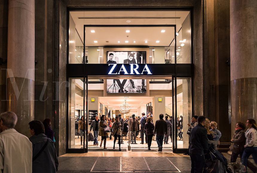 Spanish clothing clothing store Zara is packed with shoppers, Barcelona, Spain