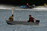 Turn boat   (Outboard Runabout)
