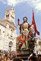- traditional celebrations of the Easter, procession of the Revived Christ in Adrano....- celebrazioni tradizionali della Pasqua, processione del Cristo Risorto ad Adrano