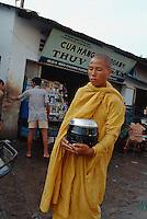 Bettelmönch in Saigon, Vietnam
