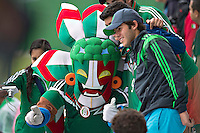 Natal, Brazil - Saturday, June 14, 2014: Mexico trains in preparation for their next match against Brazil.